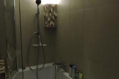 Bade-Duschwanne-mit-Beleuchtung